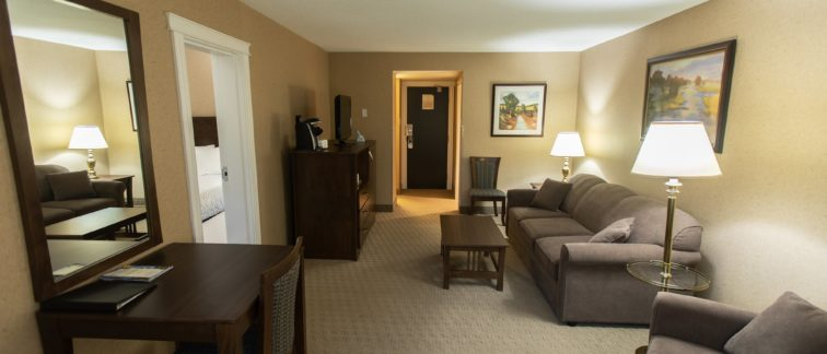 Deer Lake Motel - Comfortable Rooms with Great Amenities